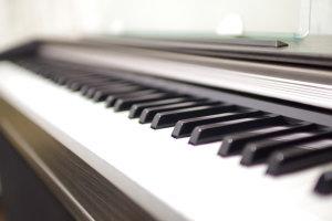 発声練習やリトミックに使えるキーボード